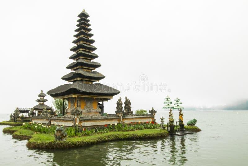 普拉Ulun Danu Beratan [普拉Bratan]巴厘岛 免版税库存照片