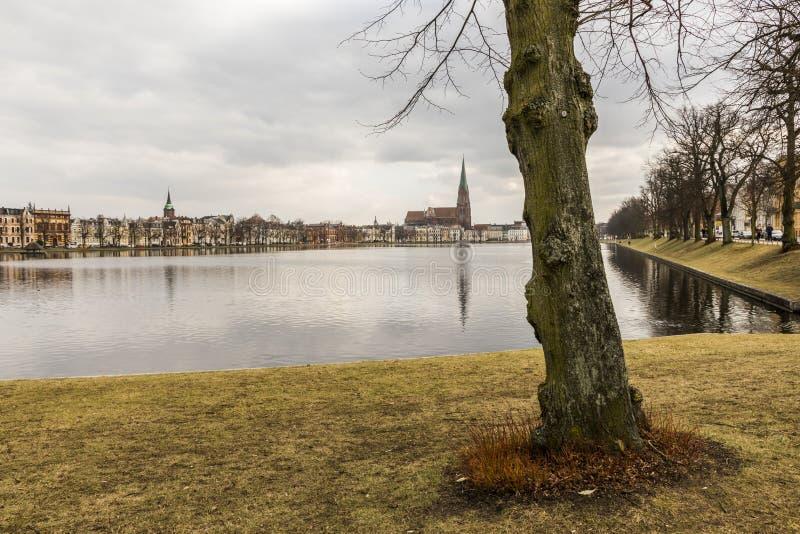 普法芬湖池塘,什未林,德国 图库摄影