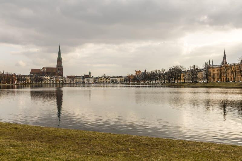 普法芬湖池塘,什未林,德国 免版税库存照片