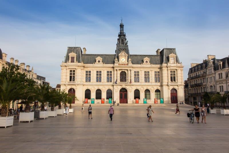 普瓦捷,法国- 2016年9月12日:城镇厅, Hotel de Ville 免版税库存图片