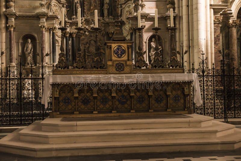 普瓦捷,法国- 2016年9月12日:教会的内部  免版税库存图片