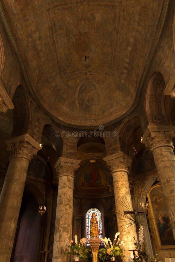 普瓦捷,法国- 2016年9月12日:非常老教会Notre水坝 免版税库存照片