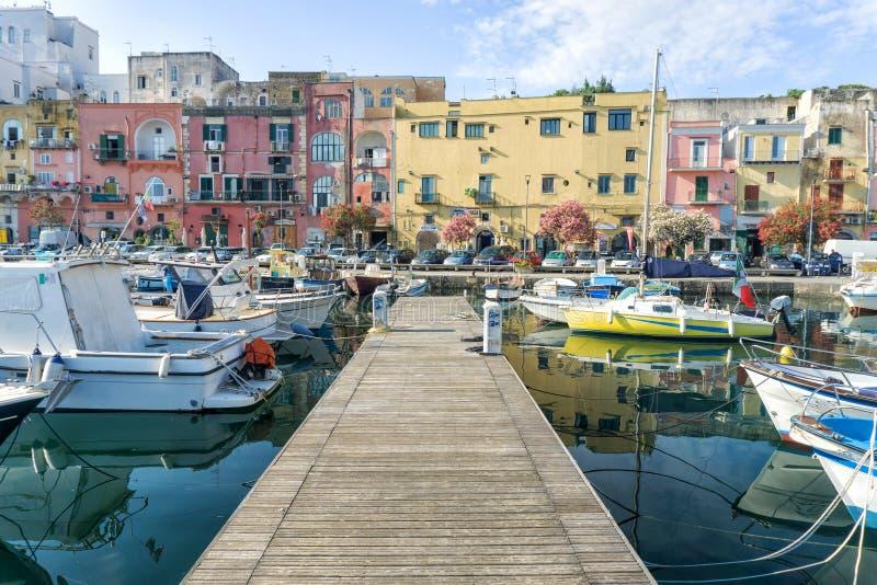 普罗奇达海岛在意大利 免版税图库摄影