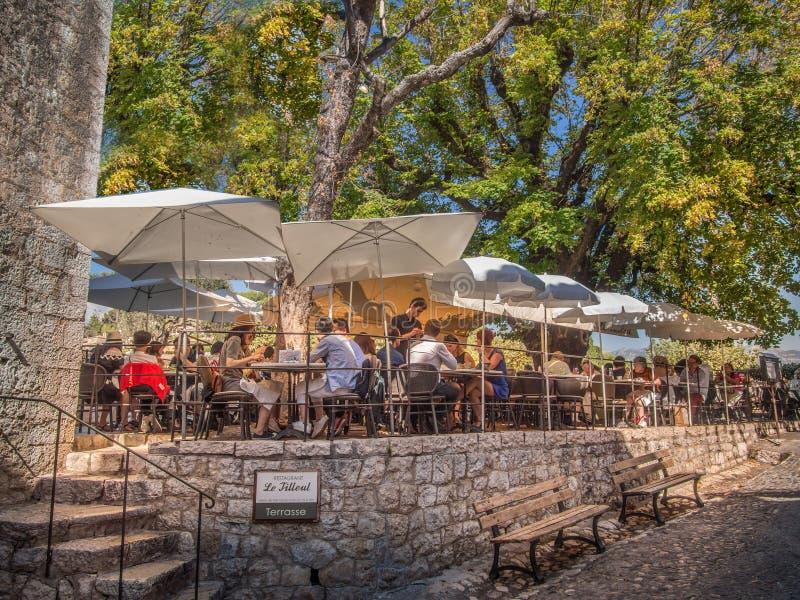 普罗旺斯室外餐馆 图库摄影