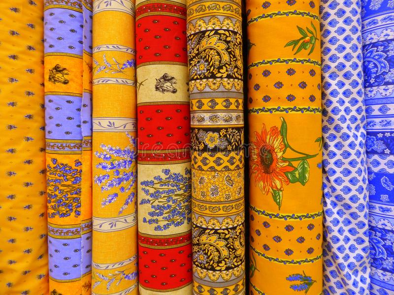 普罗旺斯的织品商店显示的 免版税库存图片
