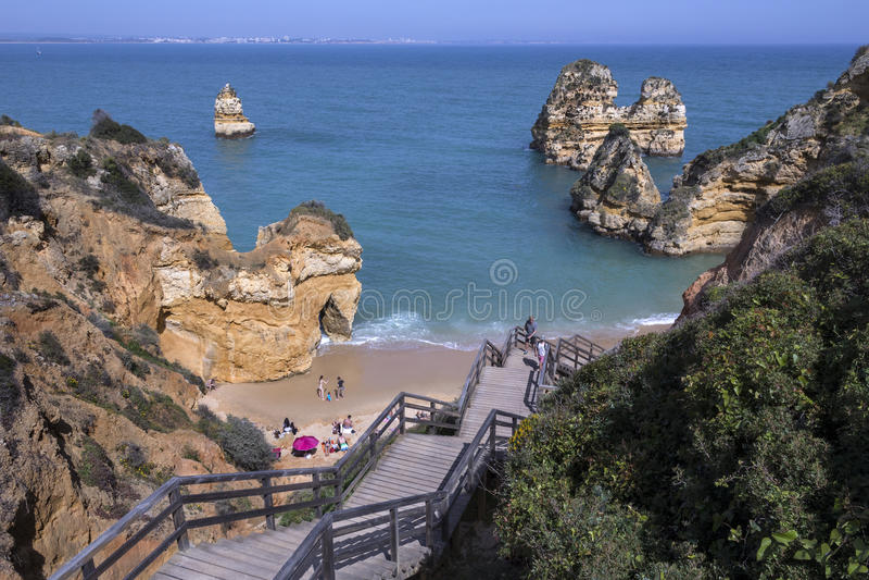 普腊亚做卡米洛-拉各斯-阿尔加威-葡萄牙 免版税库存图片