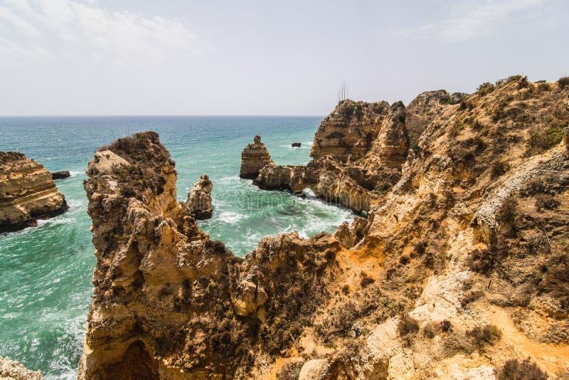 普腊亚美妙的看法在拉各斯做最美丽的海滩的葡萄牙一的南部的卡米洛 库存照片