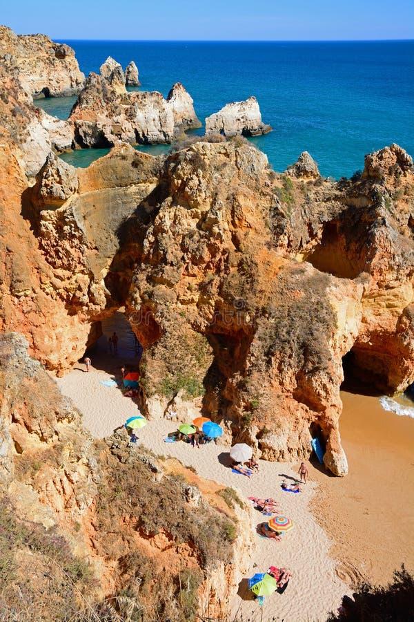 普腊亚da罗恰省海滩,波尔蒂芒被举起的看法  库存图片