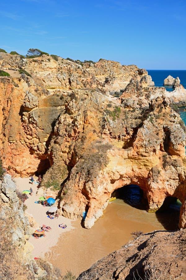 普腊亚da罗恰省海滩,波尔蒂芒被举起的看法  免版税库存图片