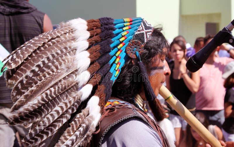 普遍的朝圣的秘鲁印第安音乐家 库存图片