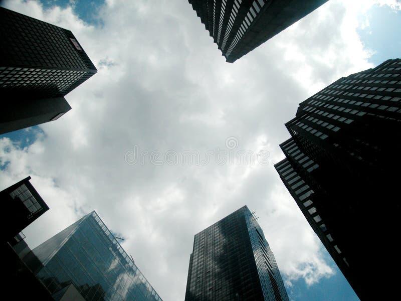 Download 景气行业 库存图片. 图片 包括有 办公室, 都市, 商业, 玻璃, 反映, 消失, 视窗, 布琼布拉, 摩天大楼 - 179641