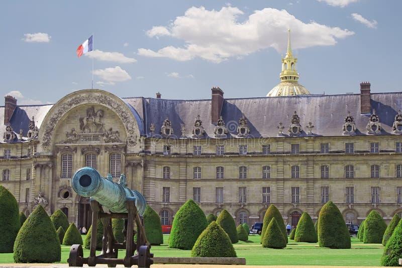 晴朗日军事巴黎的学校 免版税图库摄影