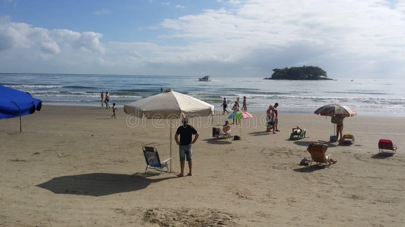 晴朗的海滩沙子 免版税库存照片