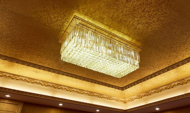 水晶天花板灯 库存图片