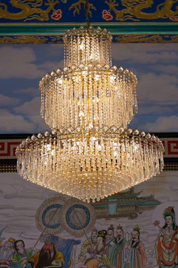 Download 水晶枝形吊灯 库存照片. 图片 包括有 圈子, 欧洲, 经典, 橙色, 金子, 焕发, 照明设备, 典雅 - 59112018