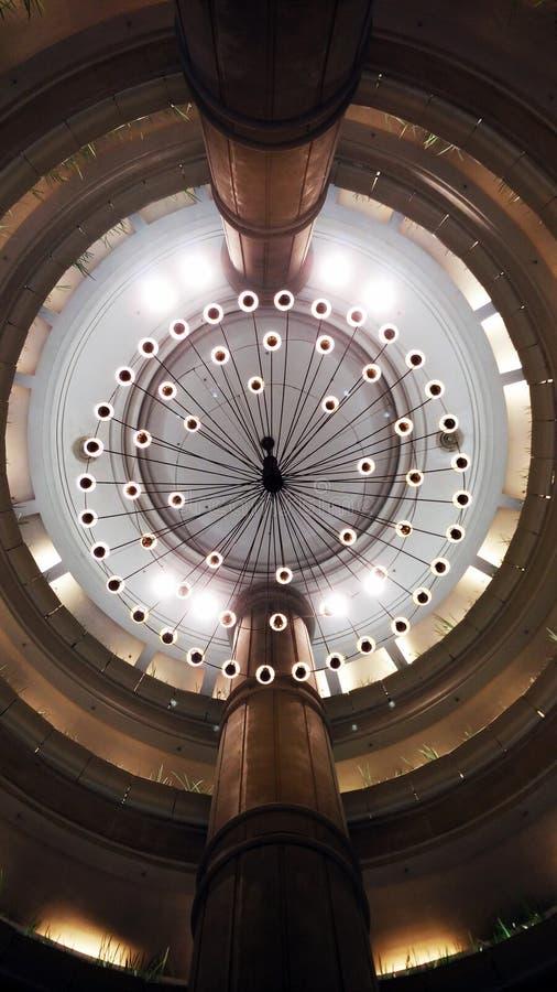 水晶轻的天花板灯照明设备 图库摄影