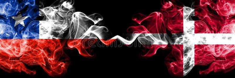 智利对丹麦,肩并肩被安置的丹麦发烟性神秘的旗子 厚实色柔滑抽丹麦的组合,丹麦语和 向量例证