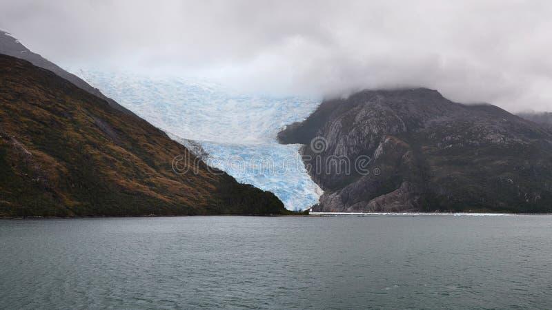 智利海湾和意大利冰川,小猎犬渠道,智利剧烈的看法  库存照片