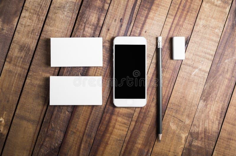 智能手机和名片 免版税库存照片