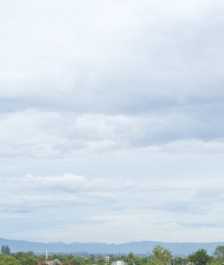 阴暗云彩。 库存照片