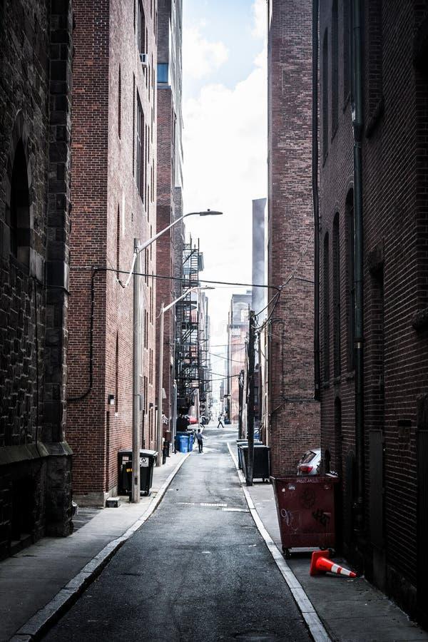 黑暗的胡同在波士顿,马萨诸塞 免版税库存图片