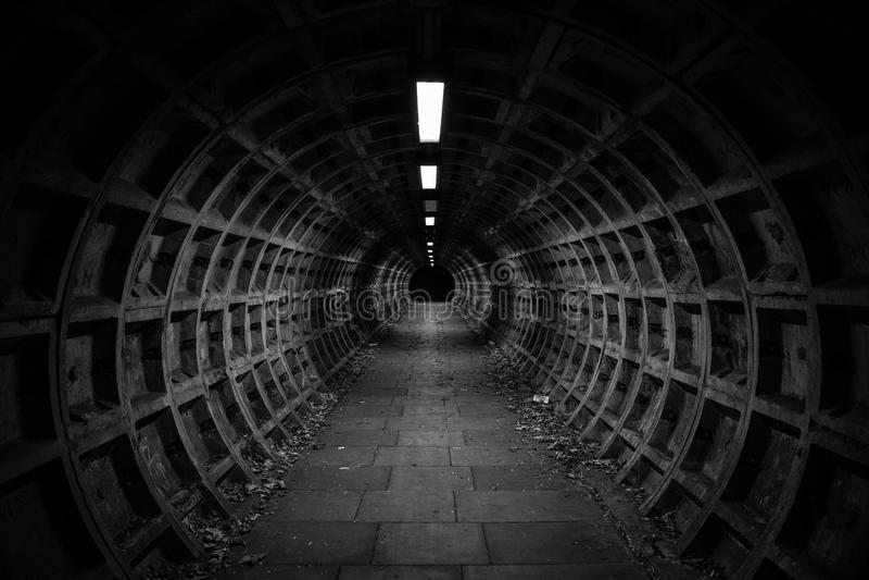 黑暗的隧道 库存照片