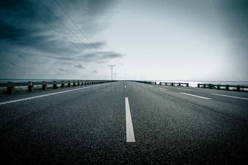 黑暗的高速公路 图库摄影