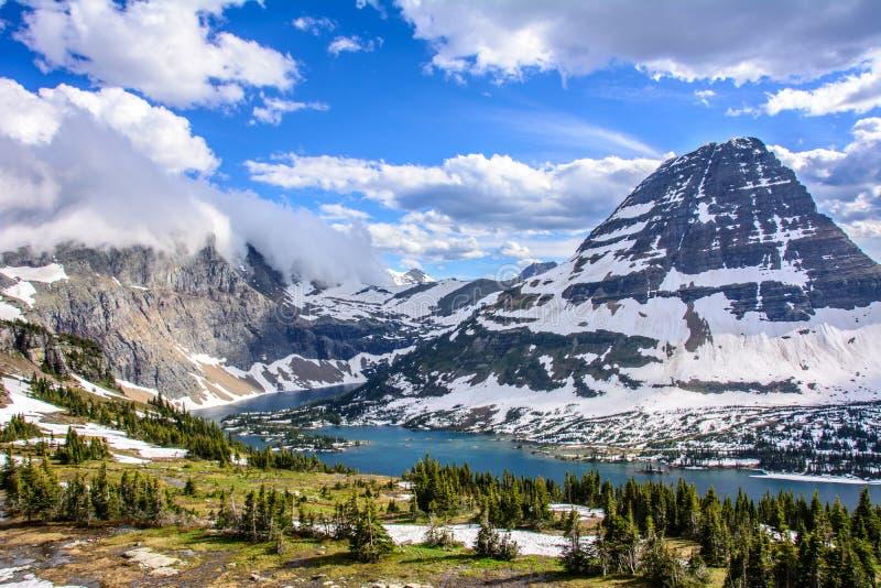 暗藏的湖在冰川国家公园,蒙大拿美国 库存图片