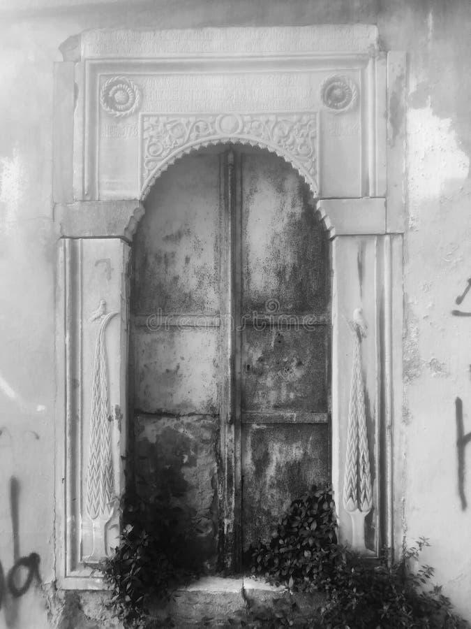 暗藏的门在费奈尔,伊斯坦布尔 免版税库存照片