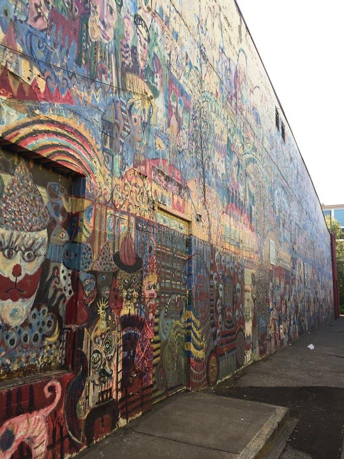 暗藏的面孔抽象墙壁艺术 库存照片