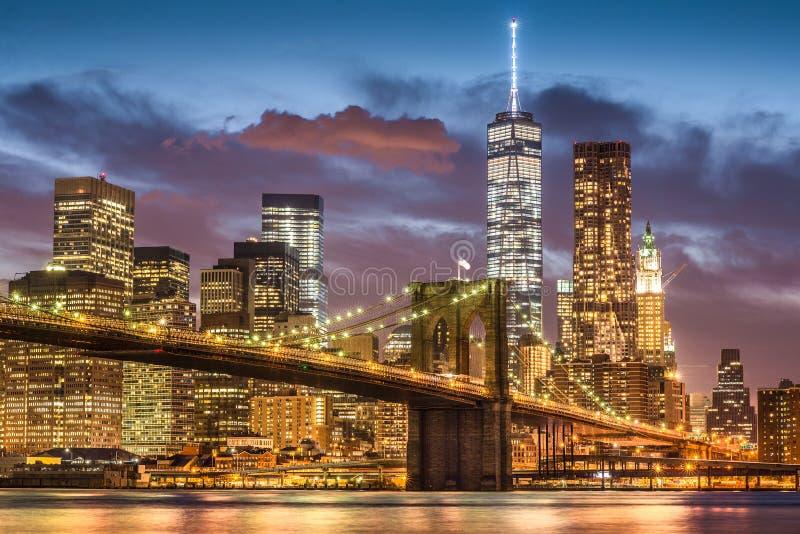 暮色时间的,纽约布鲁克林大桥 库存照片