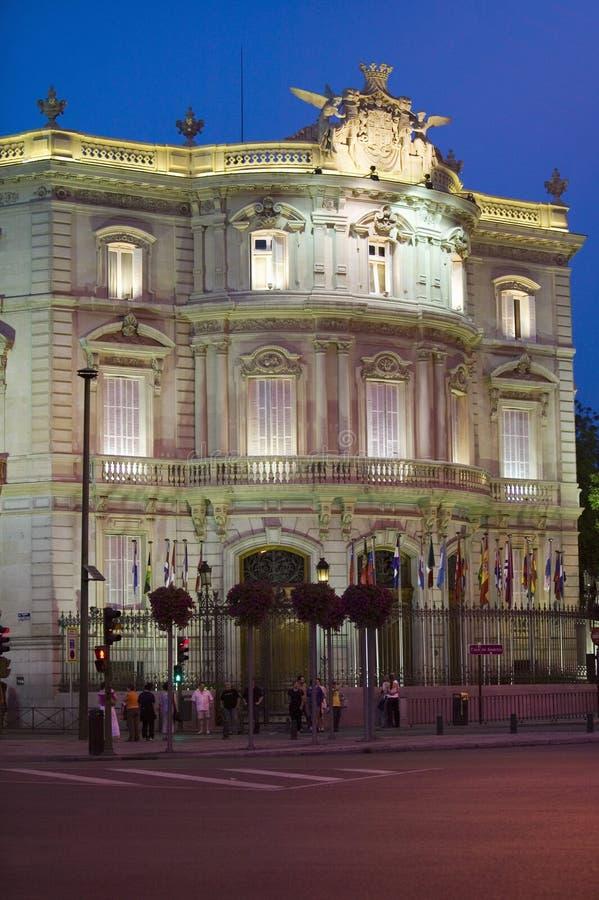 暮色近的Plaza de Cibeles,马德里,西班牙 免版税库存图片