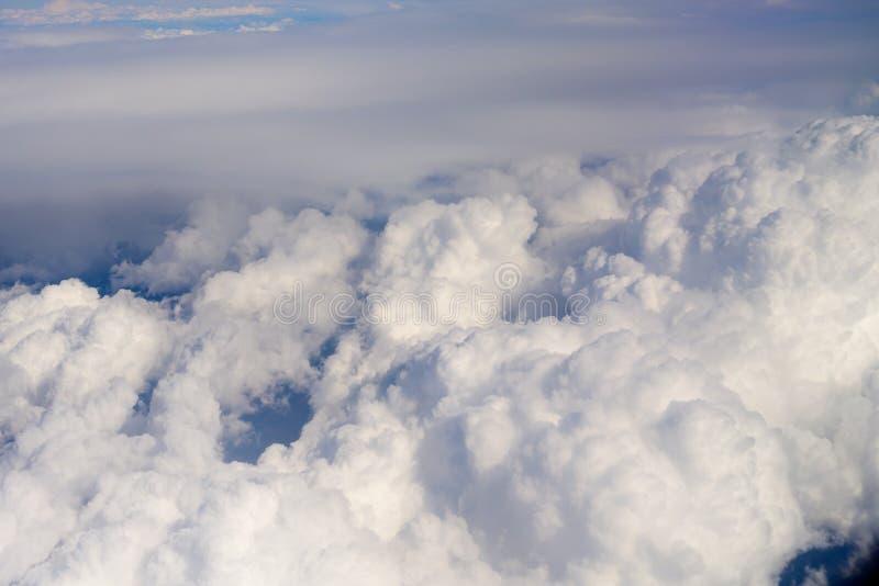 暴风云从在夏时的空中飞机观看 免版税库存照片