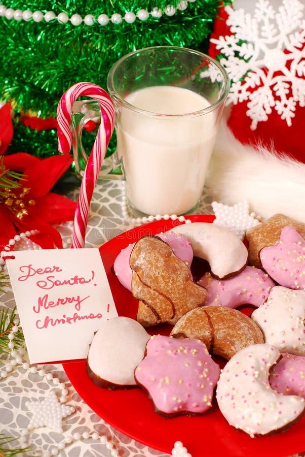 曲奇饼牛奶圣诞老人 库存照片