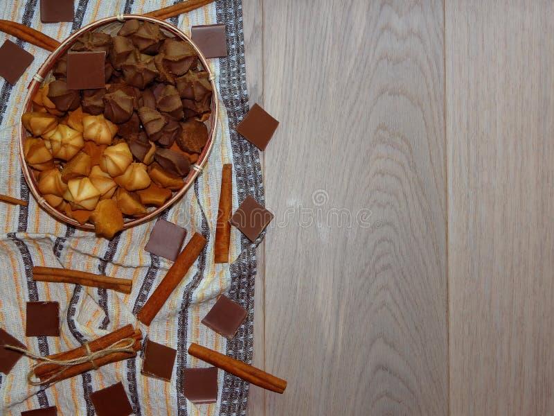 曲奇饼用巧克力和桂香 图库摄影