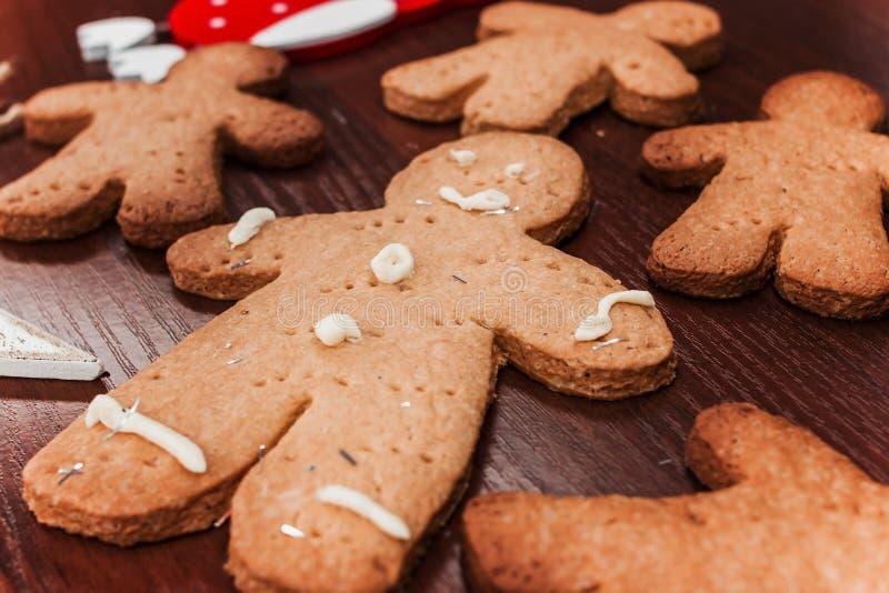 曲奇饼男孩,可口装饰的假日 免版税图库摄影