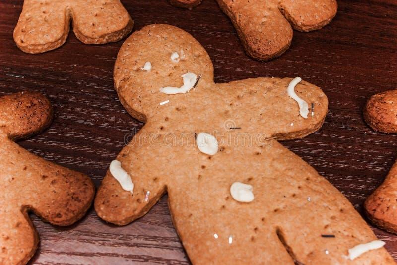 曲奇饼男孩,可口装饰的假日 库存照片