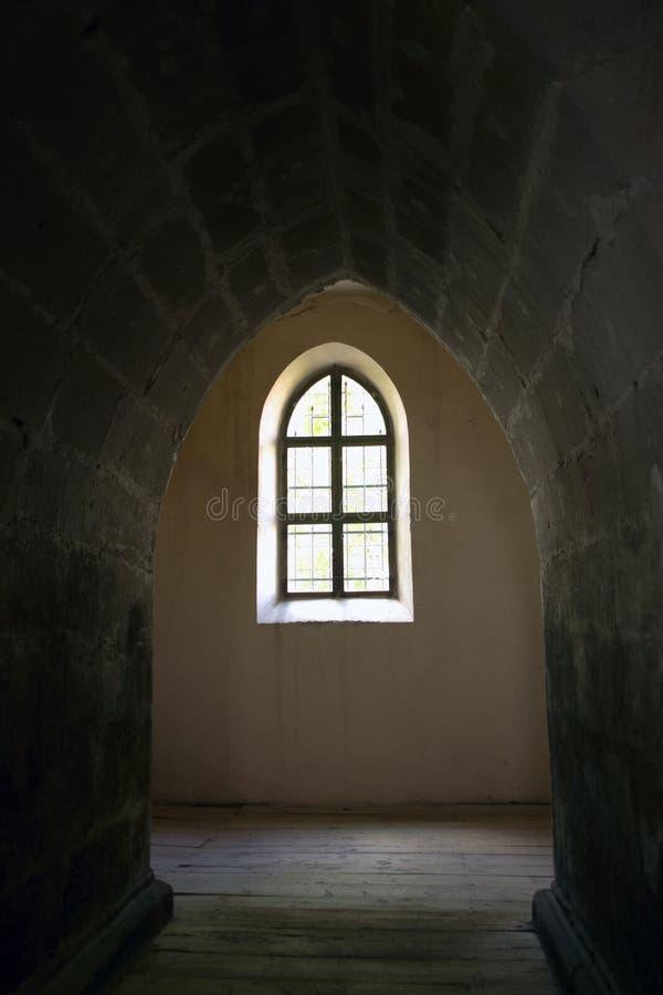 曲拱中世纪视窗 免版税库存照片