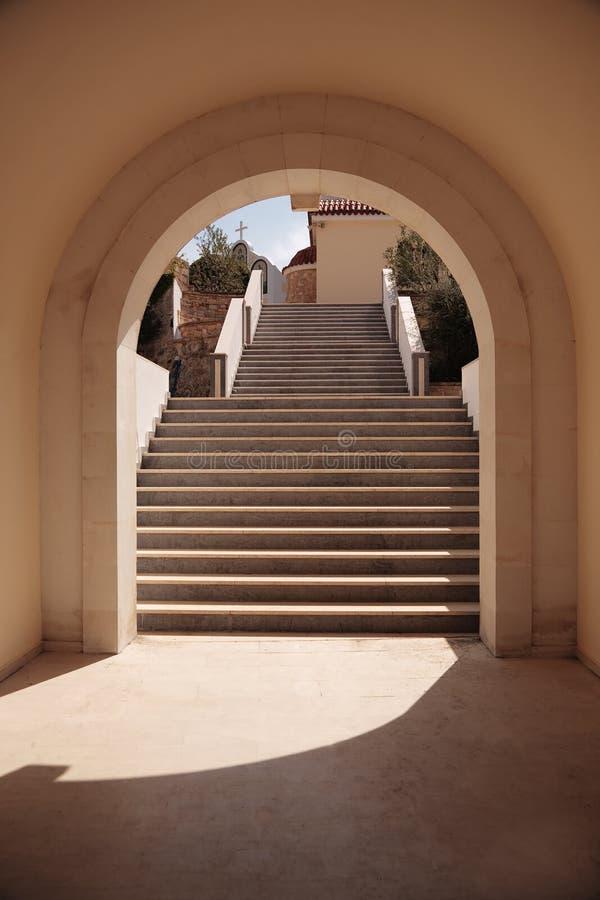 曲拱台阶 免版税库存图片
