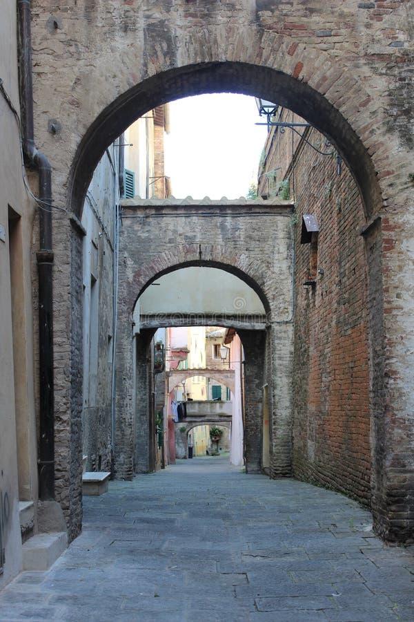 曲拱在欧洲,意大利南部 库存图片