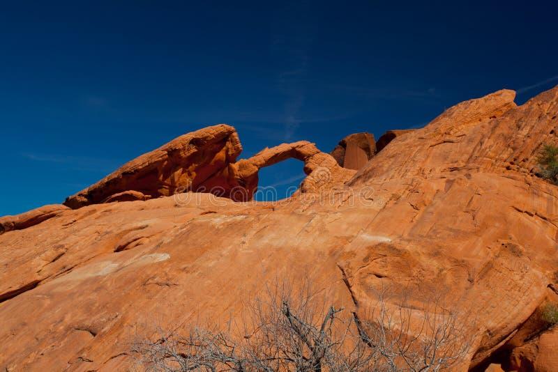 曲拱岩石 库存图片