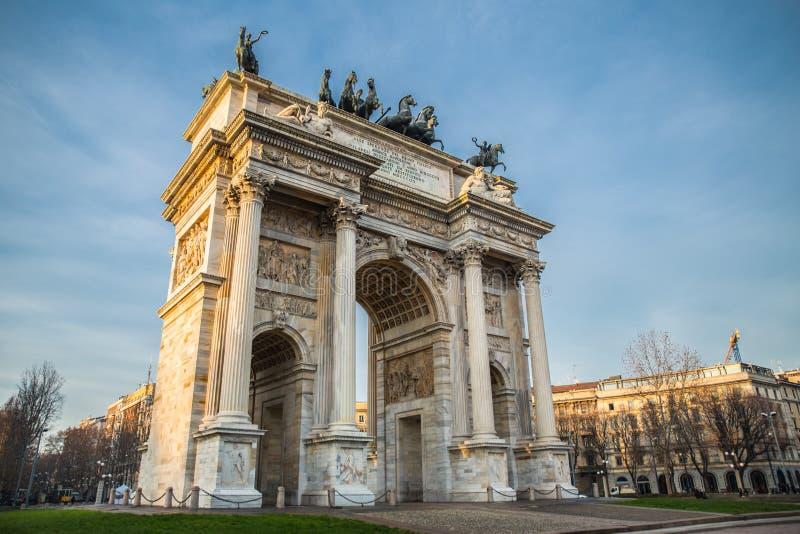 曲拱意大利米兰公园和平sempione 免版税图库摄影