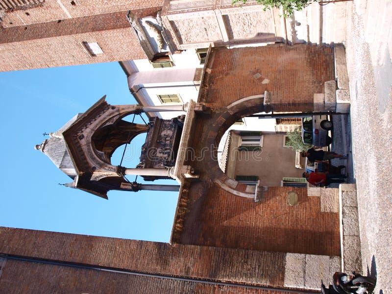 曲拱系列意大利scaligeri维罗纳 图库摄影