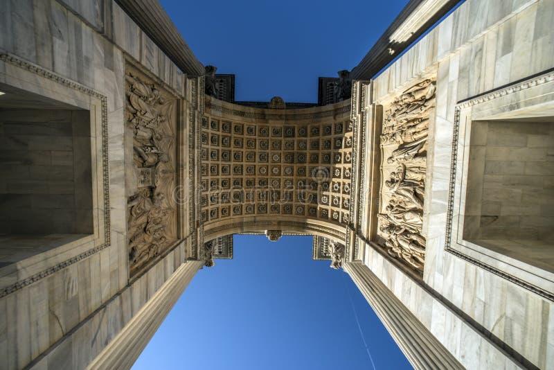 曲拱门意大利米兰和平sempione 免版税库存照片