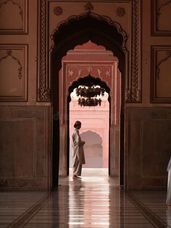 曲拱badshahi拉合尔清真寺巴基斯坦旁遮普& 免版税库存照片