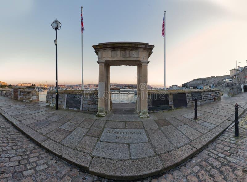 曲拱mayflower英国普利茅斯的步骤 库存图片