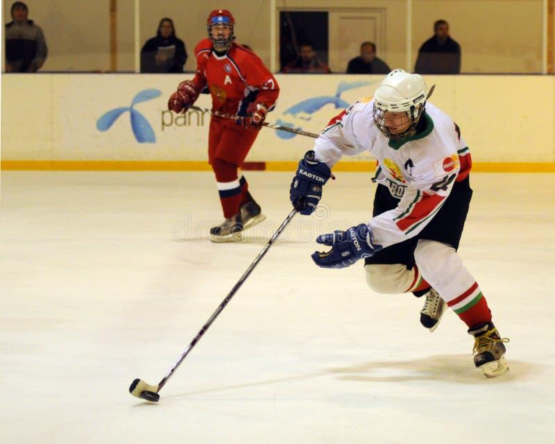 曲棍球匈牙利冰符合国家俄国青年时&# 免版税库存照片