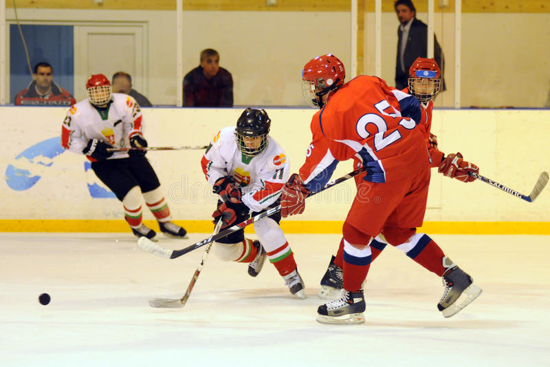 曲棍球匈牙利冰符合国家俄国青年时&# 免版税图库摄影