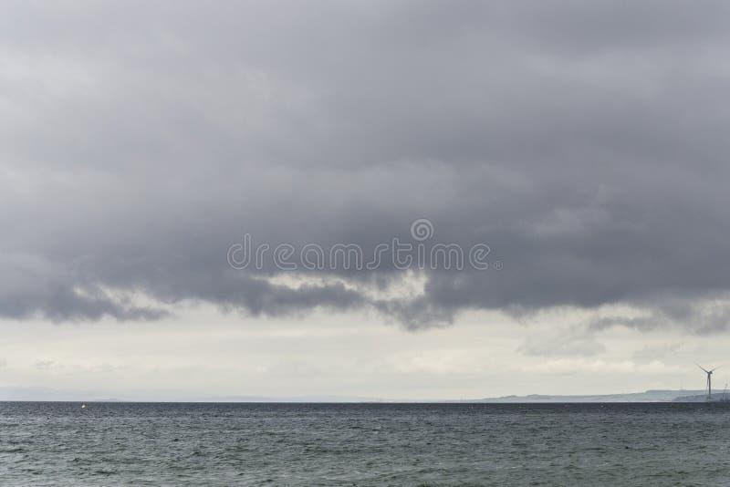 更低的缓慢岸和北海水看法  库存图片
