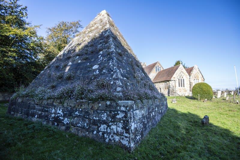 更加充分疯狂的杰克的坟茔- Brightling教会,东萨塞克斯郡,英国 库存照片